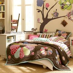 Girls bedroom with patchwork flowered comforter and matching wall tree bulletin board accents Teenage Girl Room, Girl Room Inspiration, Home, Teenage Girl Bedrooms, Room Inspiration, Little Girl Rooms, Bedroom Decor, Girl Room, Girls Bedroom Furniture