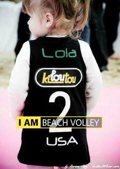 Lola (FRA) by Karim Levy - Beach volleyball