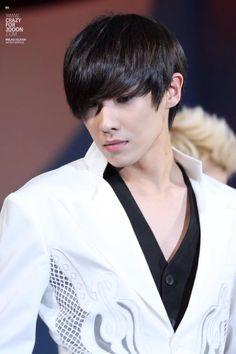 Lee Joon ♕