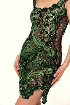 "(previous pinner) - ""I was looking around the internet as I often do when I stumbled across this amazing Irish Crocheted dress. This blows my mind. It's so gorgeous and beautiful. Even the color kills me! Here's a link to the Ravelry page for this dress:http://www.ravelry.com/projects/Asia62/esmeralda  What do you guys think?"