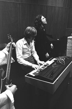 Photo session for the album Waiting For The Sun February 1968: Photo by Paul…