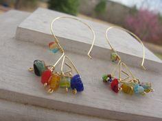 Handmade earrings, Wire and murrines.  $ 14.99 Zarcillos hechos a mano de alambre y murrinas.