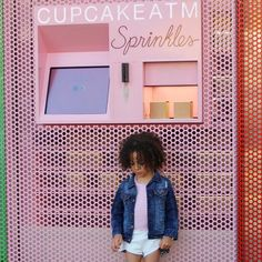 Caked up tap for outfit details .......#scoutLA #scoutTheCity #scoutStyle #sprinkles #cupcakes #londonscout Snapchat: scoutthecity