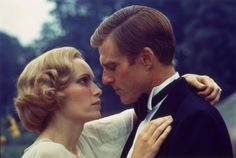 Robert Redford and Mia Farrow in 1974 version the of The Great #Gatsby.