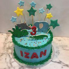 Tarta buttercream animales y dinosaurios. Birthday Cake, Desserts, Food, One Year Birthday, Pies, Sweets, Animales, Tailgate Desserts, Deserts
