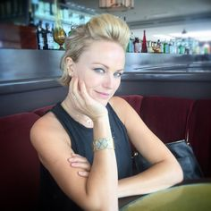 Malin Akerman graces the Charriol Forever Young cable bangle Philippe Charriol, Solid Gold Bracelet, Young At Heart, Stay Young, Forever Young, Jewelry Collection, Fashion Forward, Bangle, High Fashion