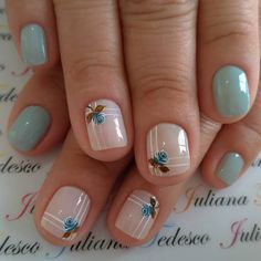10 Amazing Spring Nail Art Designs That You Should Try Asap Diy Nails, Cute Nails, Natural Gel Nails, Pretty Nail Art, Nail Art Blue, Spring Nail Art, Girls Nails, French Tip Nails, Green Nails