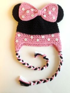 This adorable pink and black crochet mouse hat is the perfect photo prop for your little one. This would also make an awesome baby shower gift.