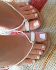 Love this color/light French pedicure