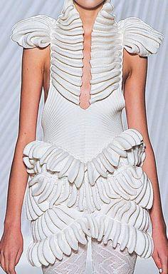 fashiongeometry: KNITWEAR BY LIU FANG S/S 2013   Knitmodern on tumblr
