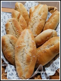 Salzweckerl | Glücksbackstube Hot Dog Buns, Hot Dogs, Brot, Kuchen, Pies, Sheet Pan, Play Dough