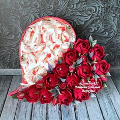 ©Sweety Club /Букеты из конфет МАСТЕР-КЛАССЫ How To Wrap Flowers, Diy Flowers, Paper Flowers, Halloween Crafts, Christmas Crafts, Bouquet Box, Sweet Trees, Glass Flower Vases, Chocolate Bouquet