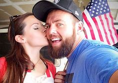 Shay and colette Male Youtubers, Cute Celebrity Couples, Caught Cheating, Shaytards, Happiness Is A Choice, Youtube Stars, Found Out, Role Models, Teen