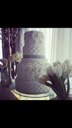 bizcocho de boda/wedding cake de Dulcemente Para Ti