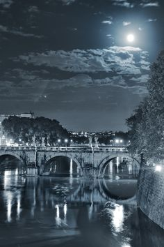 Tevere by night by Ettore  Mongelli, via 500px