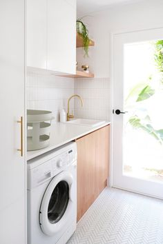 My laundry renovation is finally complete. What was once a dank, mouldy and unusable space complete with leaking taps and exposed copper pipes (no, not the cool industrial kind) is now a bright, functional space. Modern Laundry Rooms, Laundry In Bathroom, Laundry Decor, Laundry Closet, Ikea Laundry, Basement Laundry, Laundry Area, Laundry Room Inspiration, Laundry Room Organization