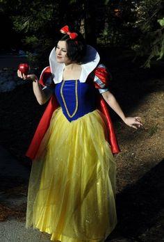 Snow White Cosplay - Disney