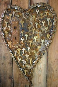 Wonderful recycled metal heart decorations Garden Art Metal Collage so cool key to my heart art! The post Wonderful recycled metal heart decorations appeared first on Garden Easy. Key Crafts, Metal Crafts, Arts And Crafts, Yarn Crafts, Old Keys, Keys Art, Scrap Metal Art, Metal Yard Art, Junk Art
