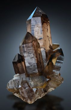 "bijoux-et-mineraux: ""Smoky Quartz - Zinggenstock, Grimsel, Haslital, Berner Oberland, Switzerland "" Minerals And Gemstones, Rocks And Minerals, Raw Gemstones, Quartz Crystal Necklace, Rocks And Gems, Stones And Crystals, Krystal, Decoration, Smoky Quartz"
