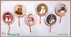 Karácsonyfa díszek filcből - Hóemberek (eszterszemek) - Meska.hu My Works, Coasters, Sugar, Christmas, Yule, Navidad, Xmas, Coaster, Christmas Music