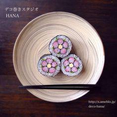 『基本のお花グラデーション』の飾り巻き寿司 一番好きなモチーフの花びらをグラデーションに◡̈♥︎