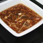 Ostro - kyslá polievka • recept • bonvivani.sk Thai Red Curry, Chili, Soup, Ethnic Recipes, Chile, Soups, Chilis