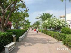 Mooie strandpromenade in l'Estartit.