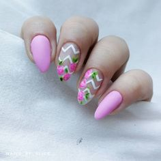Floral Nail Designs for This Spring , It's time for an additional post for nail style addicts! area unit you excited? I'm positive that you simply area unit, as a result of I like. Us Nails, Hair And Nails, Scary Decorations, Floral Nail Art, Types Of Nails, Beautiful Nail Art, Floral Style, Halloween Nails, How To Introduce Yourself