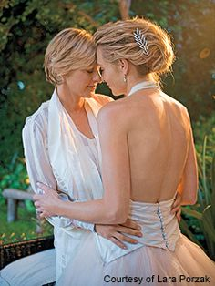 Ellen Degeneres and Portia De Rossi Wedding Picture - amazing pose - LOVE Portia De Rossi, Lesbian Wedding, Lesbian Love, Lesbian Couples, Gay Pride, Ellen And Portia Wedding, Transgender, Ellen Degeneres And Portia, Ellen Degeneres Wedding