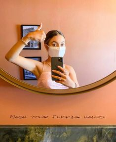 Kristen Mcatee, Selfie, Selfies