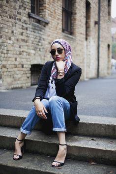 Latest Women Casual Hijab Styles with Jeans Trends 2019 . Latest Women Casual Hijab Styles with Jeans Trends 2019 … Street Hijab Fashion, Muslim Fashion, Modest Fashion, Classy Fashion, Fashion Dresses, Women's Fashion, Modest Clothing, Female Fashion, Modest Outfits