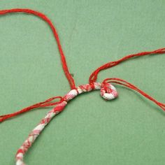 How to make coiled fabric baskets and rope bracelets