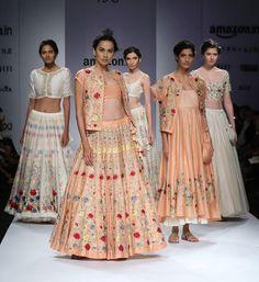 Peach and white summer ethnics from Prama by @pratimapandey.  #aifw #beprama #fdci #SS16 #ethnic #indianwear #fashion