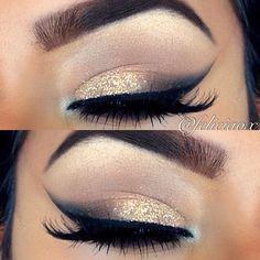 Glam sparkly cat eyes