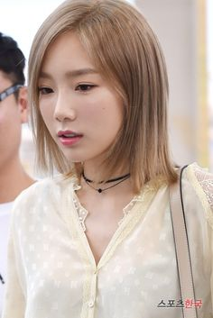 SNSD TaeYeon and Tiffany are on their way to LA for KCON 2016