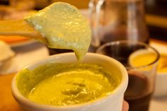 Of the yellow pepper sauce and it's magic - Peruvianfood Peruvian Dishes, Peruvian Cuisine, Peruvian Recipes, Peruvian Yellow Sauce Recipe, Healthy Foods To Eat, I Foods, Sauce Recipes, Cooking Recipes, Gourmet