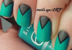 Teal Chevron Nail Art