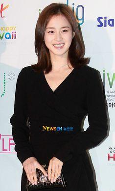 画像 – From Parts Unknown Beautiful Asian Women, Beautiful Celebrities, Beautiful People, Ulsan, Korean Women, Korean Girl, Korean Beauty, Asian Beauty, Asian Woman