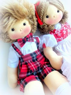 Menino e menina de pano (valor unidade) Soft Dolls, Doll Clothes, Sewing, Boys, Handmade, Crafts To Make And Sell, Home Craft Ideas, Craft Ideas, Crochet Dolls