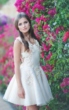 Flowers - Model: Melani Gellert  Make Up & Hair: María Luisa Peña Makeup…