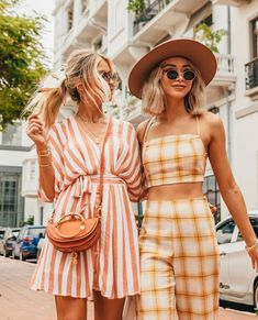 The best way to usher in a new spring fashion outfits is with clothes and accessories that are feminine, modern and extremely wearable. Fashion Outfits, Womens Fashion, Fashion Tips, Fashion Design, Ladies Fashion, Fashion Ideas, Fashion Photo, Moda Fashion, Fashion Fashion