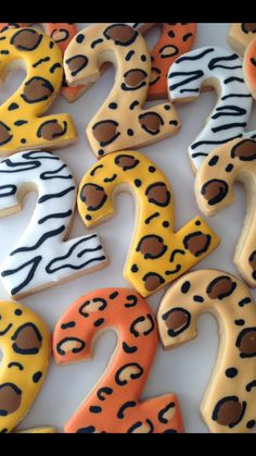 Cheetah print example but maybe white gold and pink Animal Themed Birthday Party, Jungle Theme Birthday, Lion King Birthday, 2nd Birthday Party Themes, Safari Theme Party, Wild One Birthday Party, Baby Boy 1st Birthday, Cheetah Print, Pink Cheetah