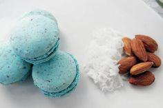 Robin's egg // almond