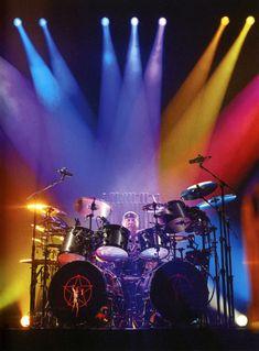 A Tribute to Rush - Neil Peart, Geddy Lee, Alex Lifeson, John Rutsey Rush Music, Rush Concert, A Farewell To Kings, Rush Band, Neil Peart, Rock Groups, Drum Kits, Custom Guitars, Disco Ball