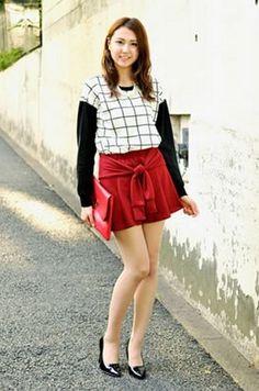 Stocking Tights, Cute Asian Girls, Office Wear, Beauty Hacks, Beauty Tips, 21st, Mini Skirts, Stockings, Female