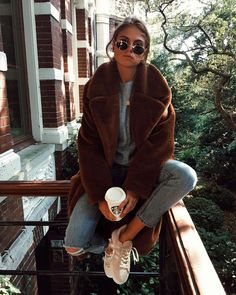 20 Edgy Fall Street Style 2018 Outfits To Copy - : Casual Fall Fashion Trends & Outfits 2018 Street Style 2018, Looks Street Style, Looks Style, Street Styles, Autumn Fashion Casual, Fall Fashion Trends, Autumn Winter Fashion, Trending Fashion, Winter Fashion Street Style