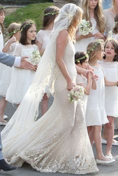 Jamie hince and kate moss have an intimate ceremony at st peters fashion icon kate moss weds in galiano famous wedding dressesdream junglespirit Image collections
