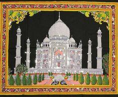 Panôs indianos em várias estampas que retratam a vida na Índia. Perfeitos para quem quer decorar a casa com as mais belas riquezas do mundo. Por apenas R$ 4990.  Na foto panô com desenho do Taj Mahal.  O Taj Mahal é o maior mausoléu do mundo e foi construído pelo imperador mongol Shah Jahan como expressão de amor a sua falecida esposa Mumtaz Mahal (ele a chamava de a jóia do palácio). Relatos contam que embora ela tenha sido a segunda de suas quatro esposas eram companheiros inseparáveis a…