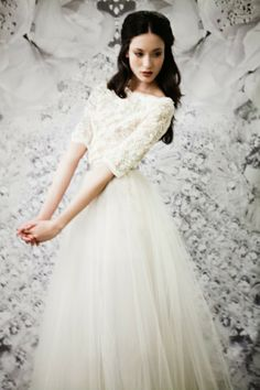 lace 3/4 sleeve wedding dress with vintage look