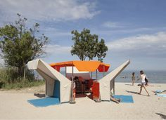 Beach Library: Matali Crasset
